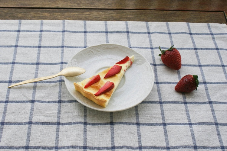 mascarpone and strawberry tart